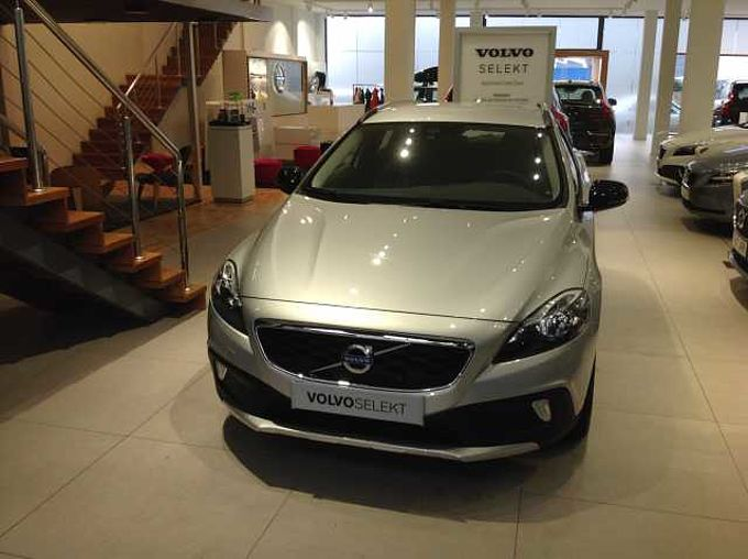 Volvo V40 CC V40 Cross Country D2 Momentum Manual